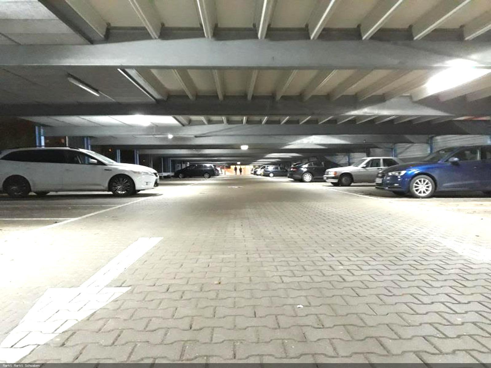 LED-Beleuchtung in der Parkgarage Münterstraße