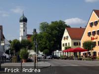 Marktplatz - Blick auf die Kirche