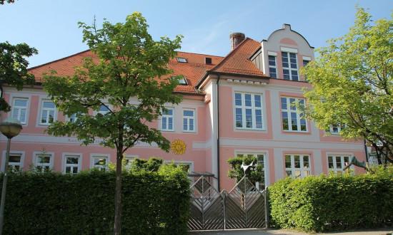 Kindergarten-im-alten-Schulhaus_Gebaeude
