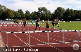 Hürdenlauf beim Blockwettkampf U16 der Leichtathletik-Meisterschaften 2021 im Sportpark Markt Schwaben
